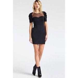 Guess dámské černé elegantní šaty obraz