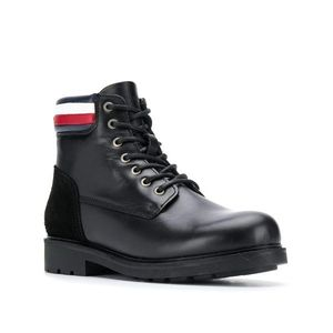 Tommy Hilfiger pánská černá kožená kotníková obuv Active obraz
