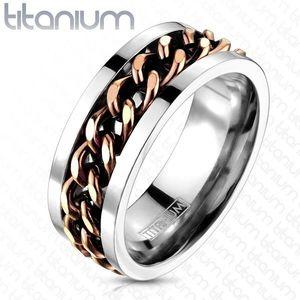Titanový prsten stříbrné barvy - řetěz v měděném barevném odstínu - Velikost: 67 obraz