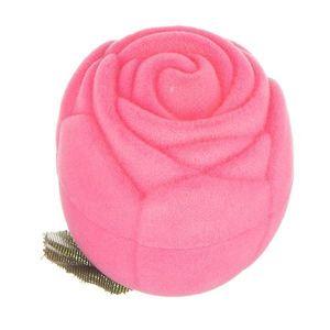Sametová krabička na prsten - růžová růže s lístky obraz
