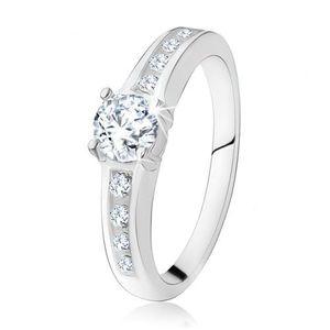 Stříbrný zásnubní prsten 925, kulatý čirý kamínek, zdobená ramena - Velikost: 50 obraz