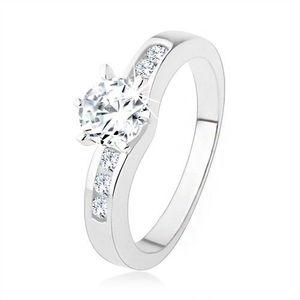 Stříbrný prsten 925, kulatý čirý zirkon, zdobená ramena prstenu - Velikost: 54 obraz
