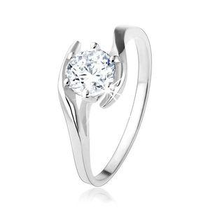 Zásnubní stříbrný prsten 925 - čirý zirkon mezi zvlněnými liniemi - Velikost: 53 obraz