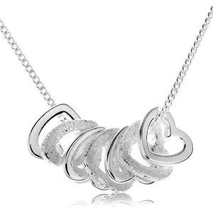 Stříbrný náhrdelník 925, kontury sedmi malých srdíček obraz