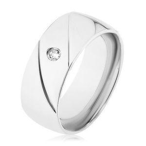 Prsten z oceli 316L, stříbrná barva, dva diagonální zářezy, čirý zirkonek - Velikost: 68 obraz