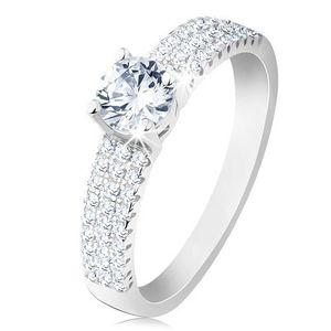 Zásnubní prsten, stříbro 925, kulatý čirý zirkon, drobné zirkonky na ramenech - Velikost: 54 obraz