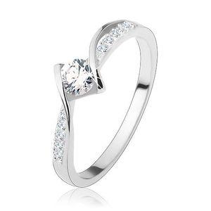 Zásnubní prsten, stříbro 925, lesklé zaoblené linie, kulatý čirý zirkon uprostřed - Velikost: 56 obraz