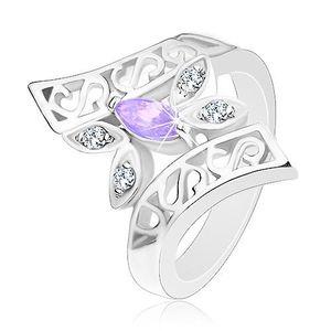 Prsten stříbrné barvy, zahnutá zdobená ramena, barevný motýl - Velikost: 51, Barva: Čirá obraz
