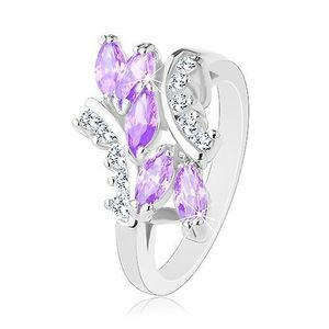 Prsten ve stříbrné barvě, světle fialová zirkonová zrnka, čiré zirkonky - Velikost: 51 obraz