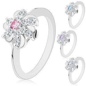 Prsten stříbrné barvy, čirý květ s barevným středem a lesklými obloučky - Velikost: 59, Barva: Světlemodrá obraz