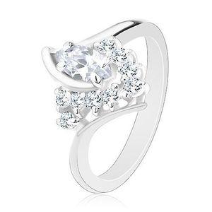 Lesklý prsten ve stříbrné barvě, zahnutá ramena, čiré zirkony - Velikost: 51 obraz