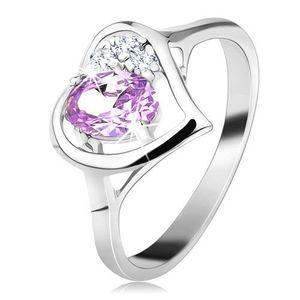 Lesklý prsten ve stříbrné barvě s obrysem srdce, světle fialový oválný zirkon - Velikost: 58 obraz
