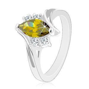 Lesklý prsten ve stříbrném odstínu, broušené zirkony v zelené a čiré barvě - Velikost: 59 obraz