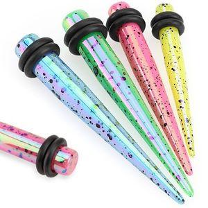 Barevný akrylový taper potřísněný černou barvou, dvě černé gumičky - Tloušťka : 6 mm , Barva piercing: Růžová obraz