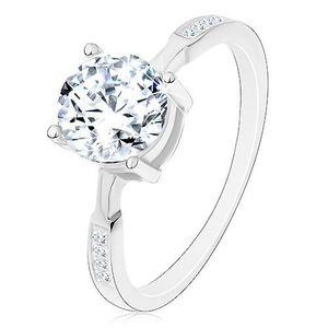 Stříbrný prsten 925, kulatý zirkon čiré barvy, zirkonky na ramenech - Velikost: 52 obraz