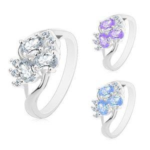 Prsten s rozdělenými rameny stříbrné barvy, čiré zirkonky, broušené ovály - Velikost: 52, Barva: Světle fialová obraz