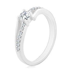 Stříbrný prsten 925, rozdělená zvlněná ramena, kulatý čirý zirkon - Velikost: 54 obraz