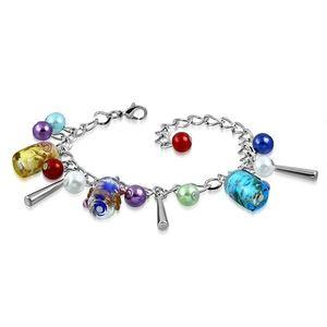 Řetízkový náramek a přívěsky - umělé perličky, barevné korálky s růžičkami obraz