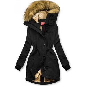 Černá zimní bunda s vysokým límcem obraz