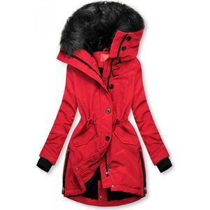 Červená zimní bunda s vysokým límcem obraz