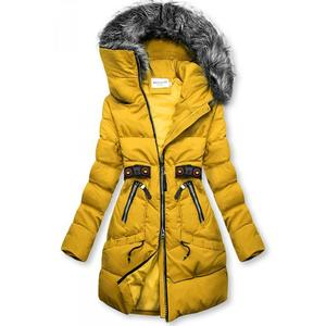 Žlutá zimní bunda s černými detaily obraz