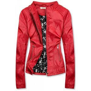 Červená prošívaná koženková bunda obraz