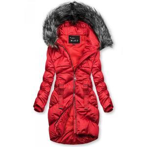 Červená lesklá prošívaná bunda na zimu obraz