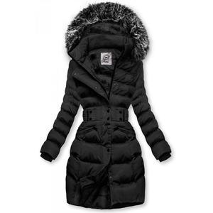 Černá bunda s odepínatelnou kapucí obraz