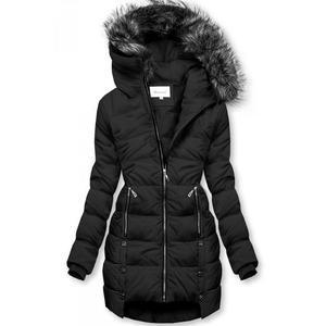 Černá prošívaná bunda na zimu obraz
