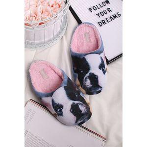 Šedo-bílé pantofle Pets obraz
