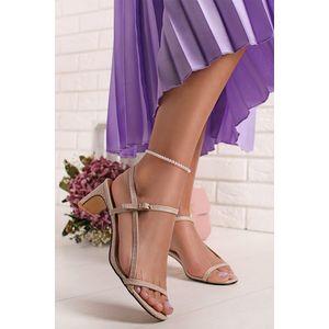 Béžové sandály na nízkém podpatku Ella obraz
