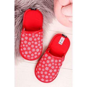 Červené vzorované dámské pantofle Red Snowflake obraz