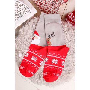Šedo-červené vzorované ponožky Santa and reindeer obraz