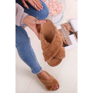 Skořicové pantofle Aliyah obraz