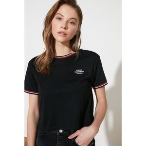 Trendyol Black Embroidered Crop Knitted T-Shirt obraz