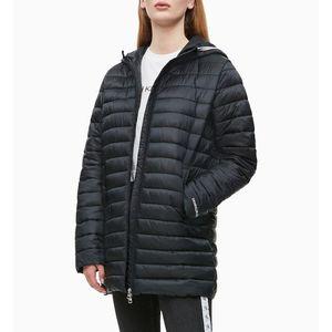 Calvin Klein dámská černá dlouhá bunda obraz