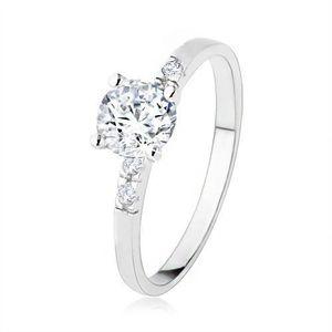 Stříbrný zásnubní prsten 925, kulatý čirý kamínek, zdobená ramena - Velikost: 55 obraz